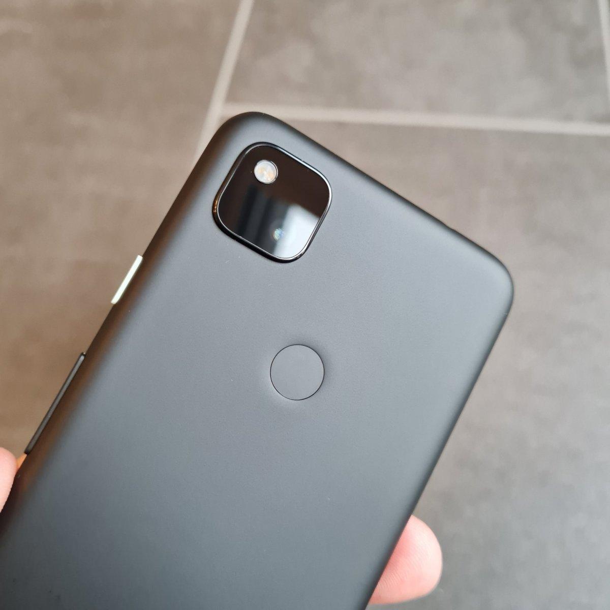 Google Pixel 4a - Rückseite mit Kamera und Fingerabdruckscanner