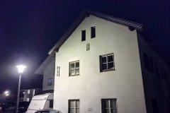 Haus bei Nacht - Nokia 5.4 Hauptkamera