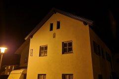 Haus bei Nacht - S20 FE Hauptkamera