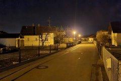Straße in der Nacht - S20 FE Hauptkamera