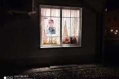 Xiaomi Mi 9 - Schaufenster bei Nacht